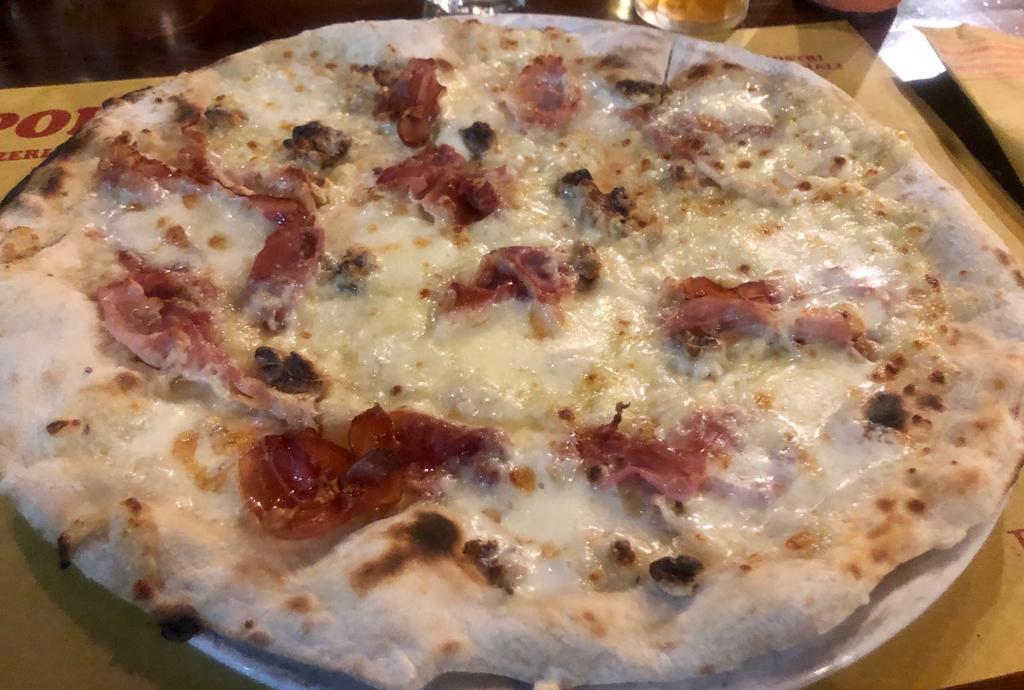 pizza zuccosa - zucca, speck, noci, funghi porcini